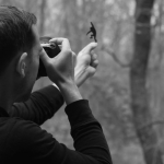 Paperboyo, el fotógrafo que transforma la realidad con cartulina y un par de tijeras